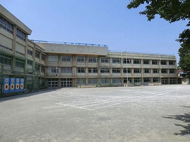 小学校 板橋区立大谷口小学校(小学校)まで143m