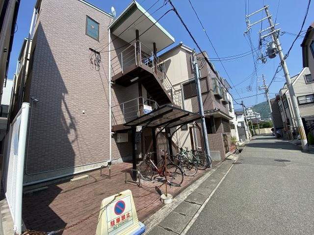 JR東海道本線 摂津本山駅 3階建の外観