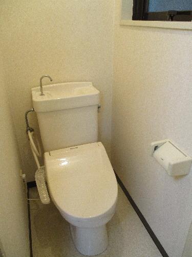 トイレ バストイレ別 窓付きトイレ