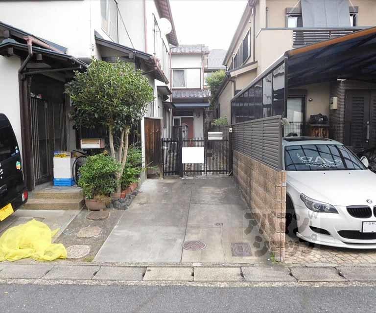 西賀茂榿ノ木町68-2貸家の外観