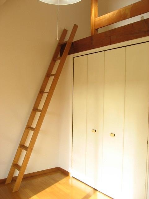 居室・リビング ロフトへは梯子で上ります!