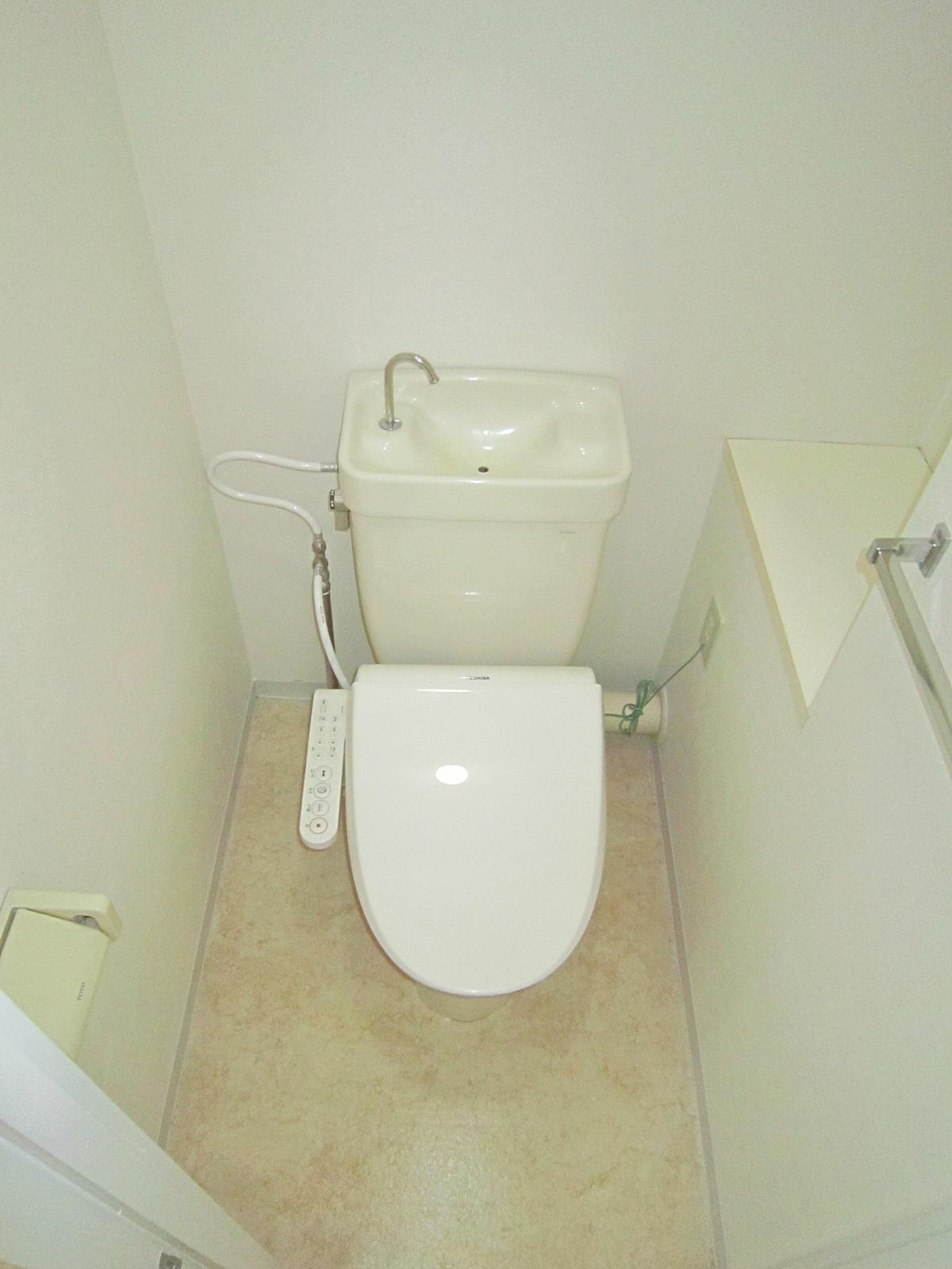 トイレ トイレ(温水洗浄器は残置物です)