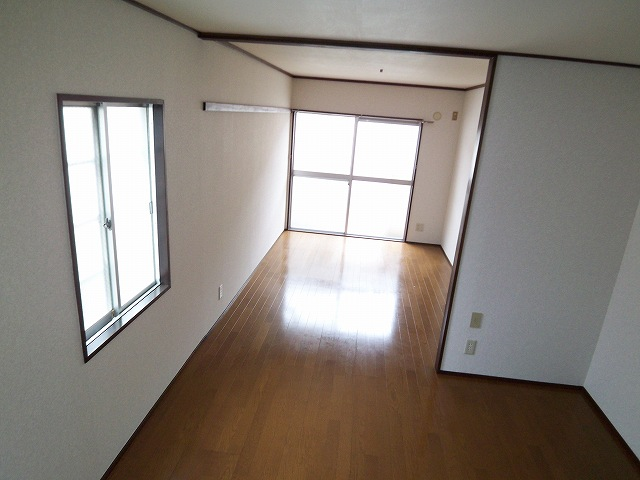 眺望 2面採光で明るいお部屋 エアコン付
