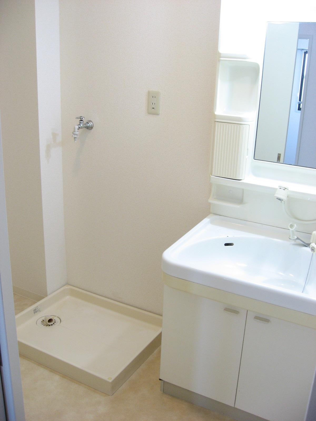 洗面設備 ゆったり脱衣室で洗顔・歯磨き!室内洗濯機置場!