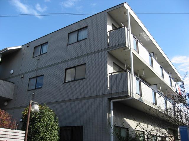 建物外観 鉄筋コンクリート造3階建の外観はタイル張りです!