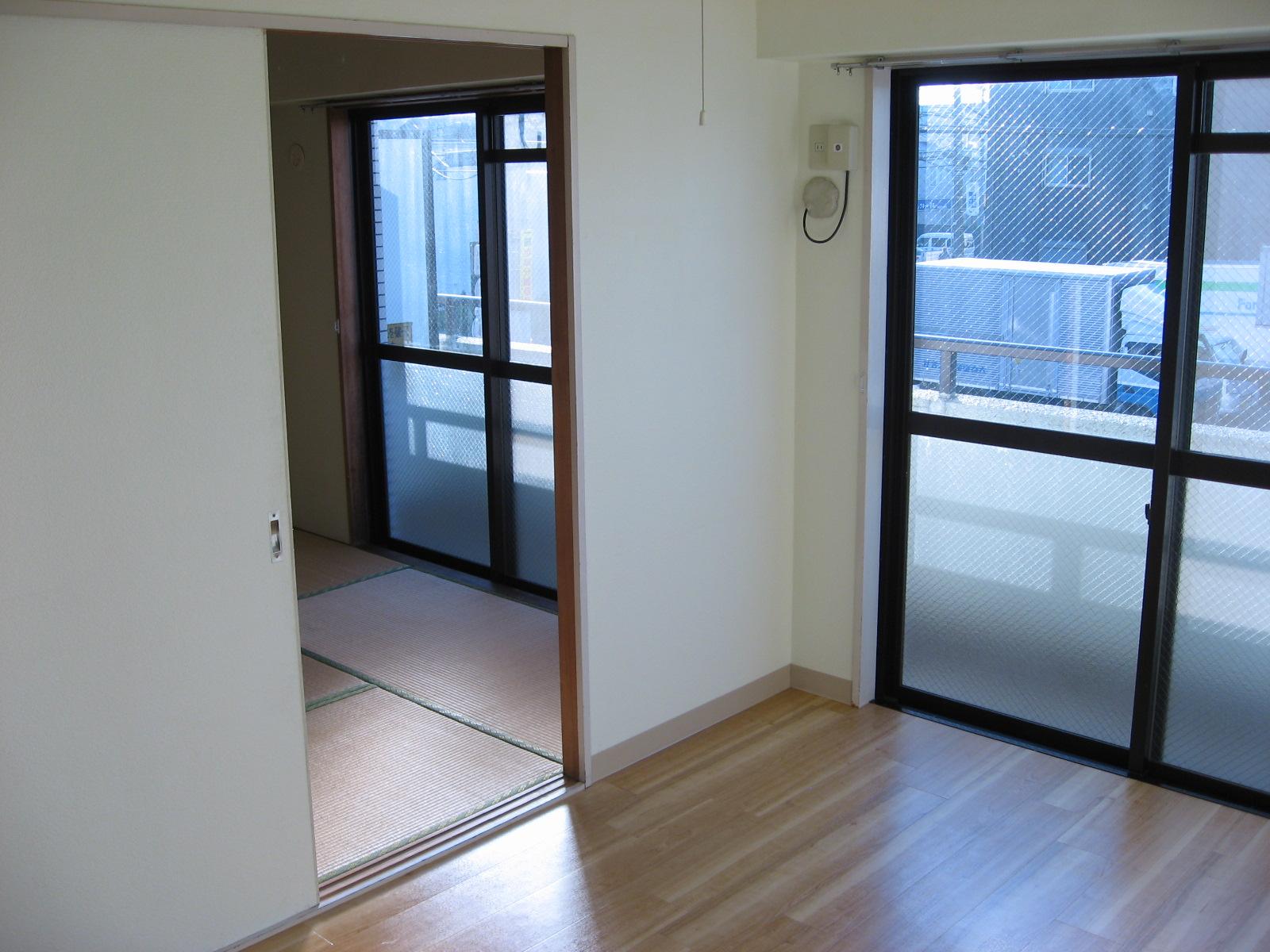 バルコニー 洋室から和室・BAL方面を見ると・・・!