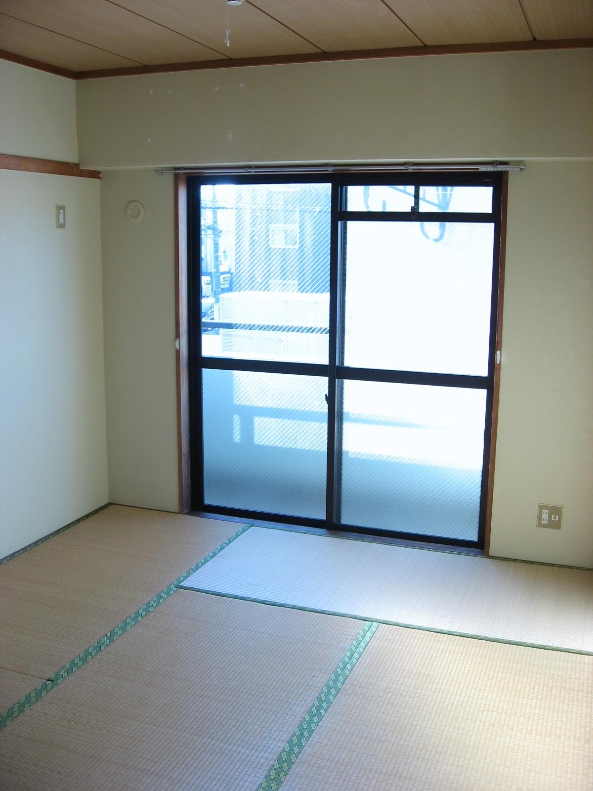 その他部屋・スペース 「食後は和室でゴロリ」も可能です!