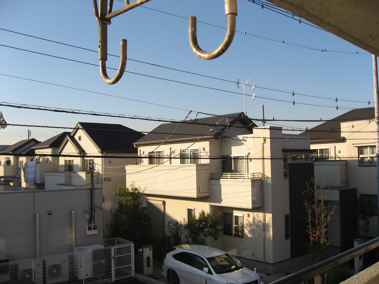 眺望 隣にはコンビニが。北側には住宅街が広がります!
