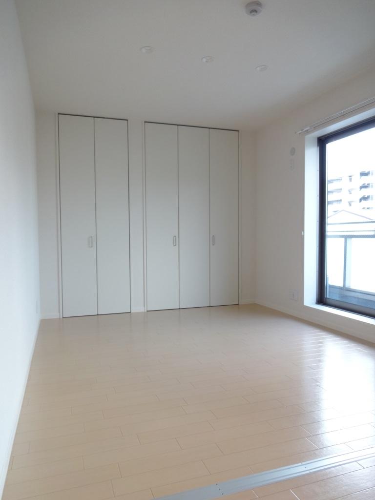 その他部屋・スペース 洋室も6帖以上ありゆったり使えます♪