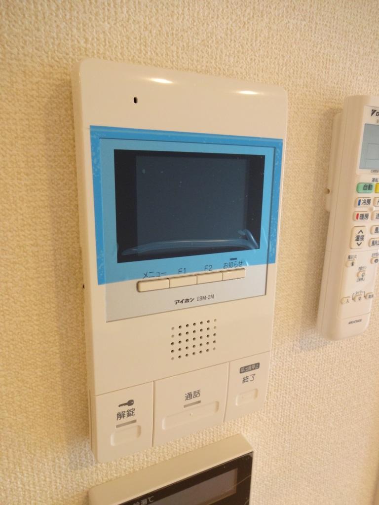 セキュリティ TVモニターはオートロックと玄関前の2ヶ所に対応してます♪