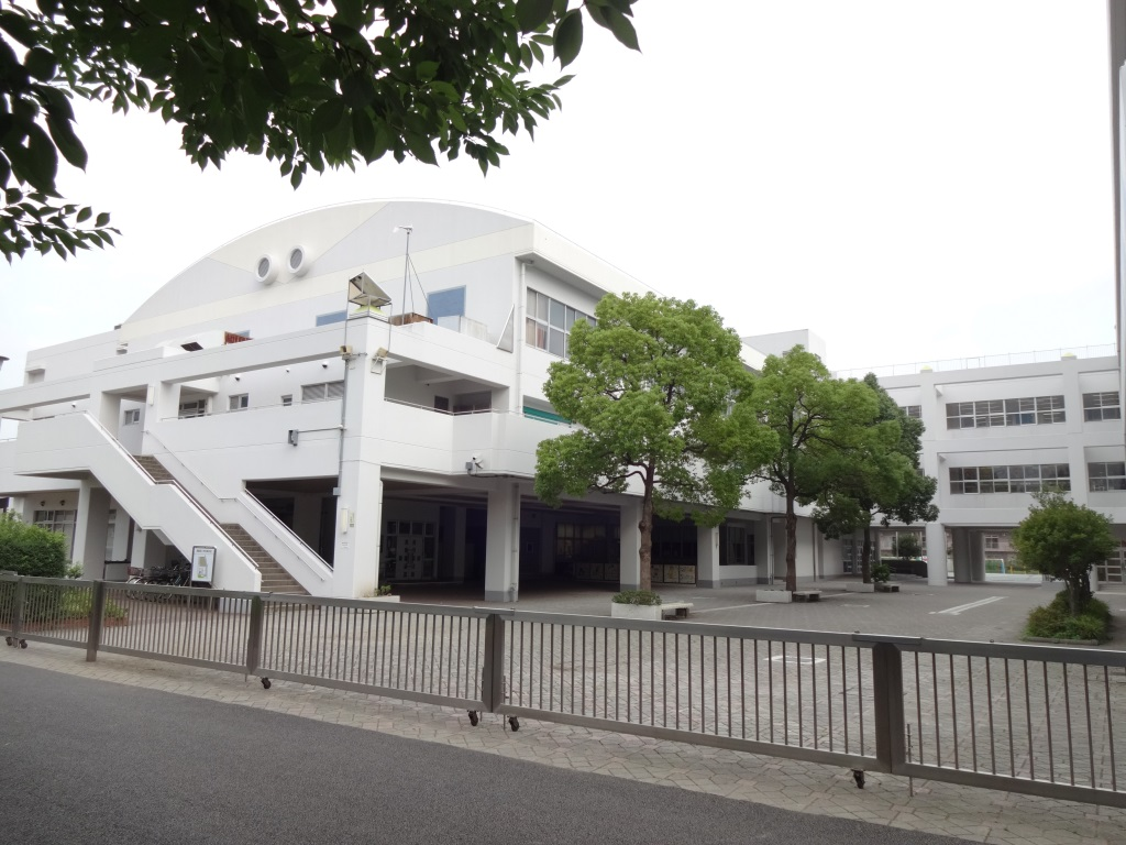 小学校 横浜市立新鶴見小学校(小学校)まで698m