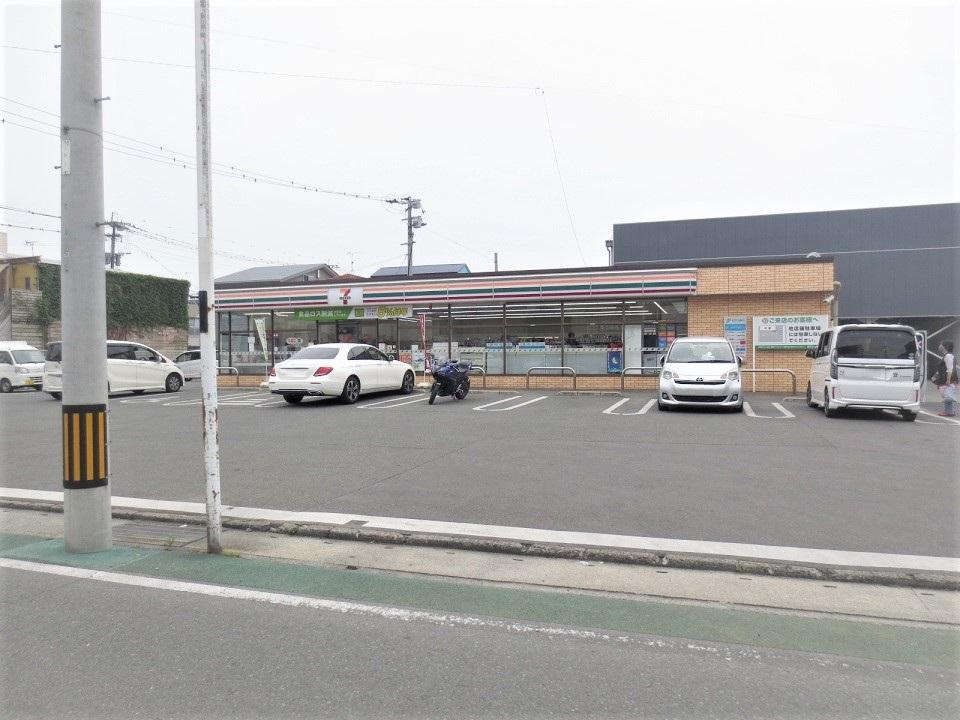 コンビニ セブンイレブン柳川辻町店(コンビニ)まで779m