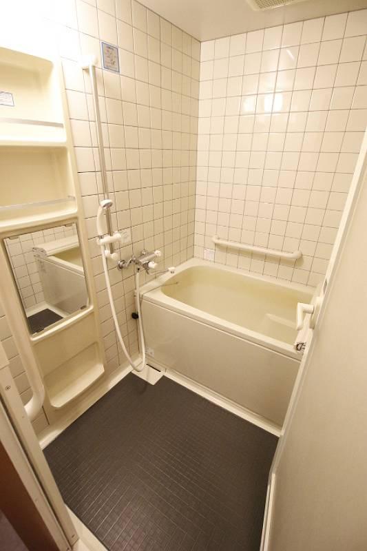 バス・シャワールーム 別の部屋の写真です