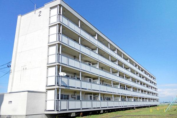 ビレッジハウス中新田1号棟の外観
