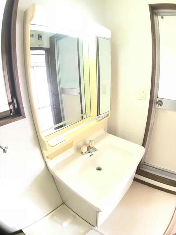 洗面設備 窓あり
