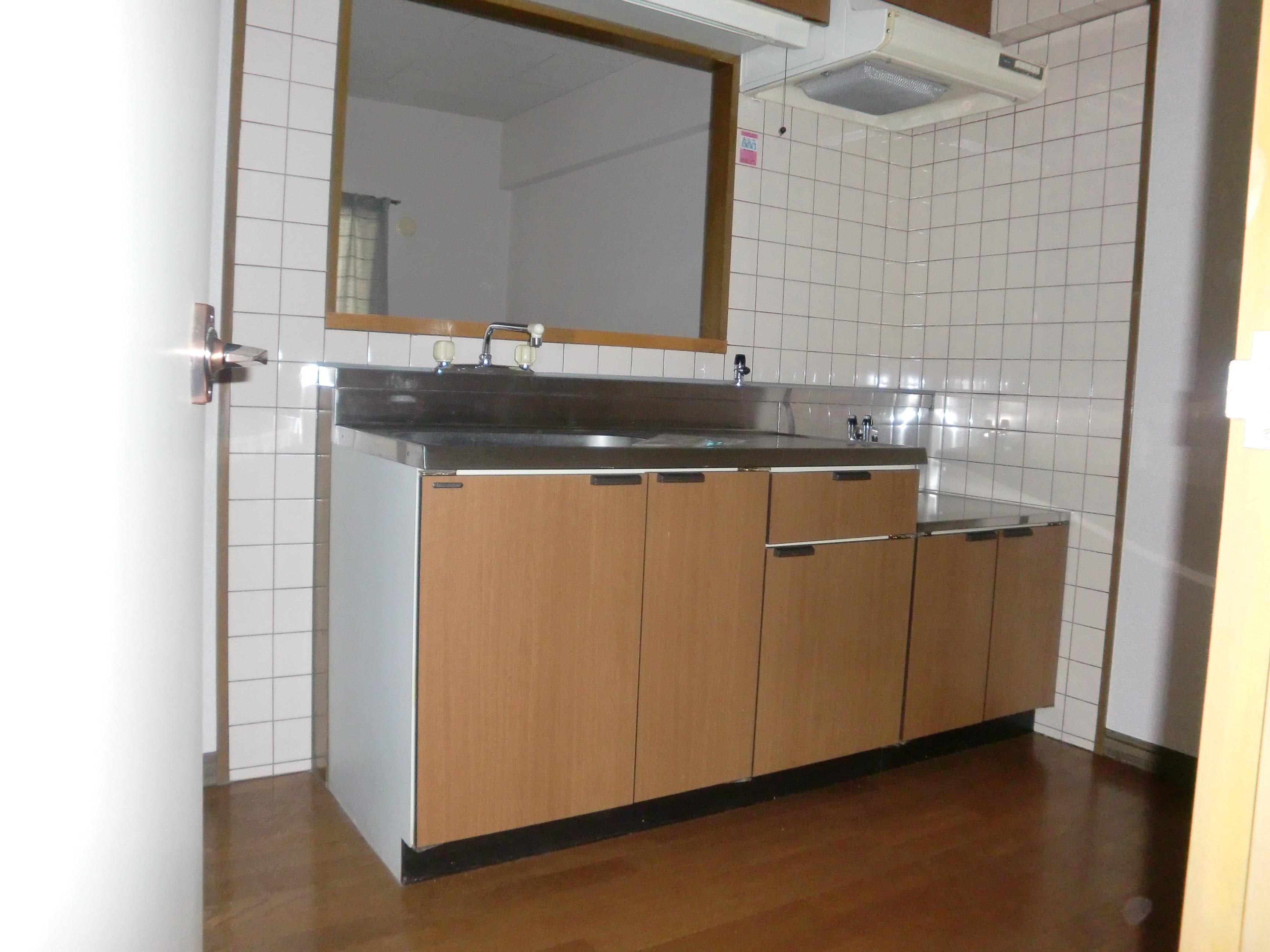 キッチン キッチン、新品に取り替えます!