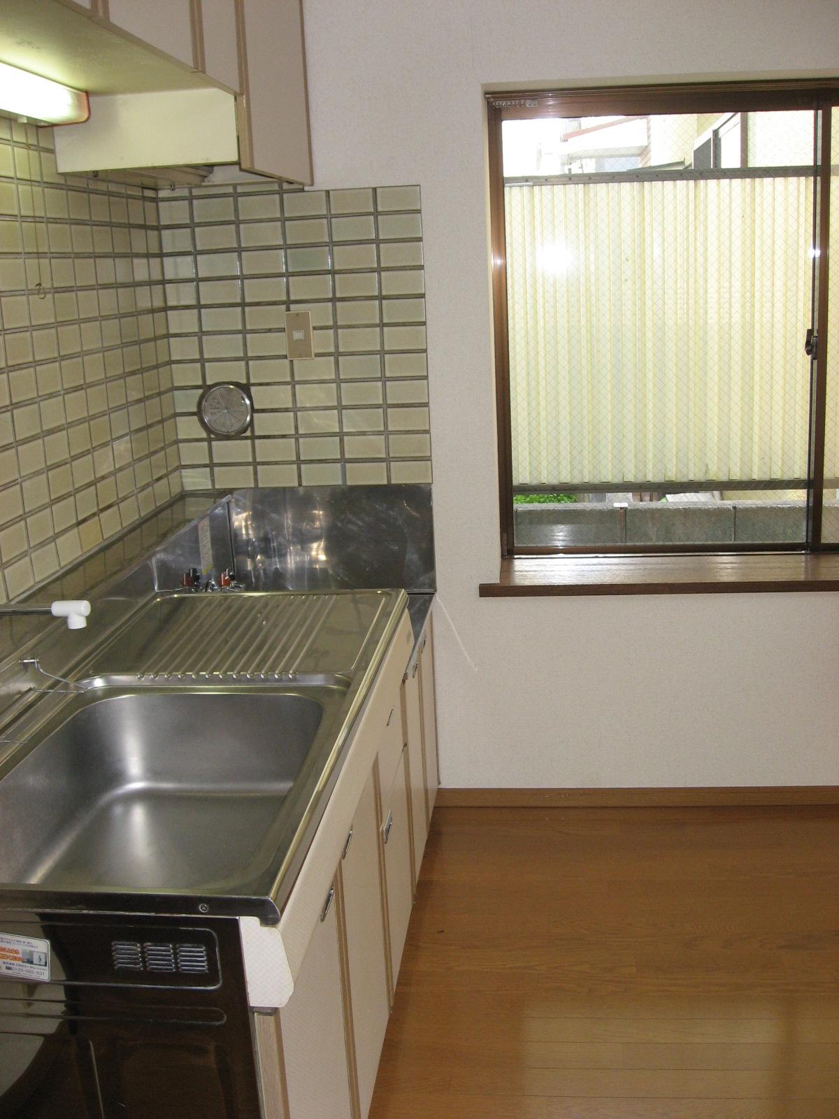 キッチン キッチンの横に窓あります!