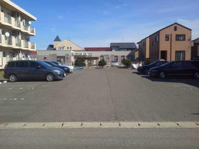 駐車場 前面敷地内駐車場