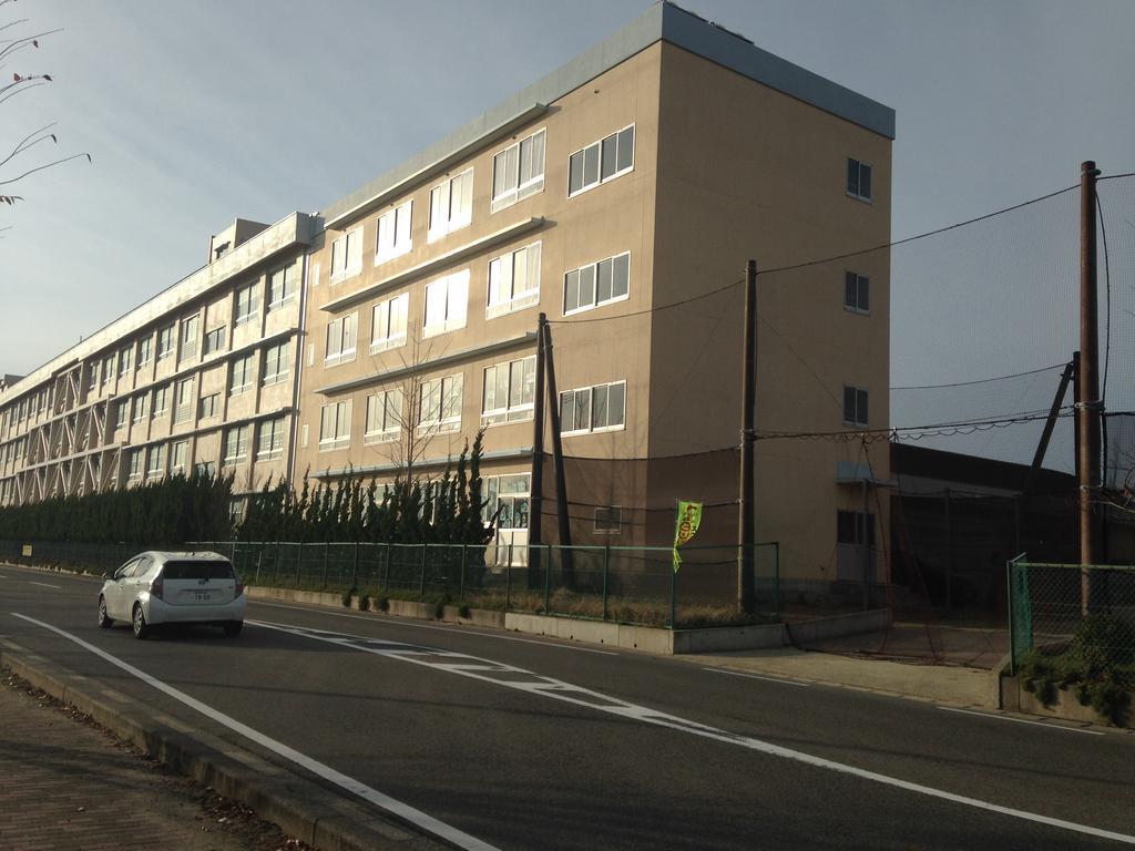 小学校 新潟市立新通小学校(小学校)まで460m