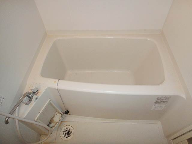 バス・シャワールーム キレイなお風呂です☆