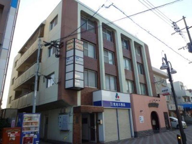 松山ビルの外観