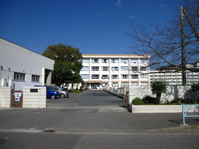 中学校 横須賀市立武山中学校(中学校)まで1086m