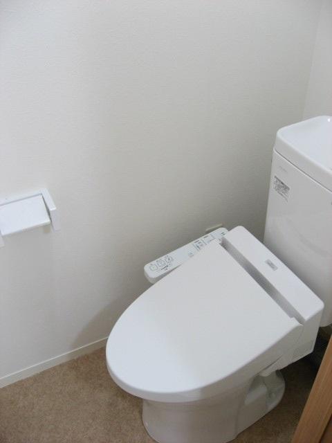 トイレ 嬉しい新品ウォシュレット!手洗いタンク付きです!