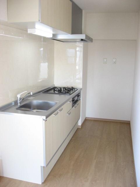 キッチン I型のシンプルで使い易いシステムキッチンです!上下に収納が!