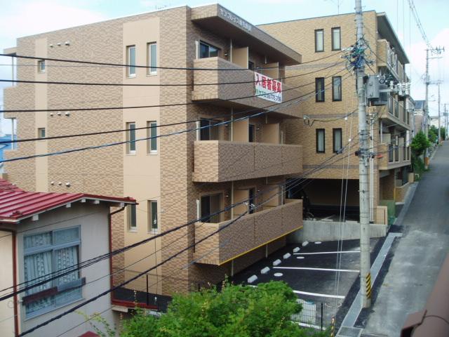 サンプレイス黒松駅前の外観