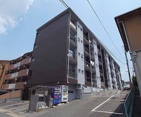 中島町マンションの外観