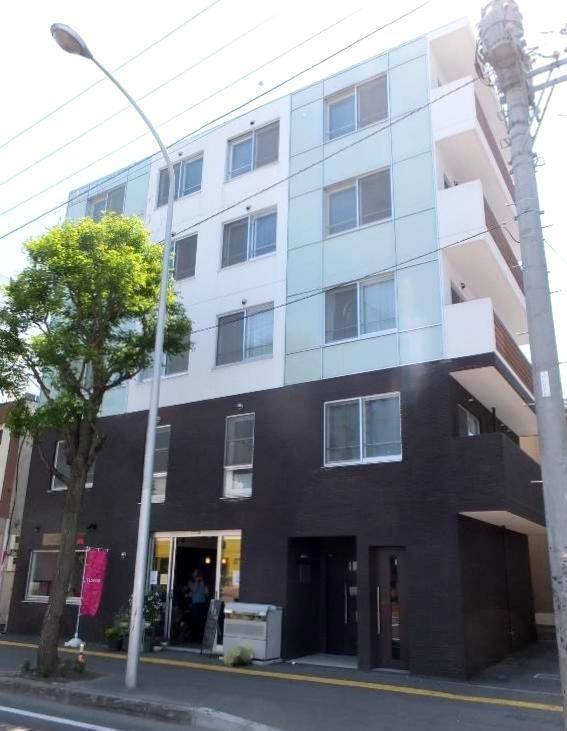 プレシア東札幌の外観