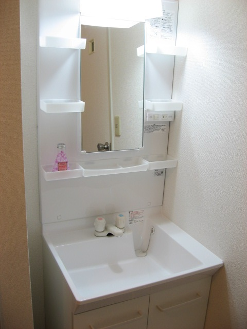 洗面所 使い易い独立洗面台!新品です!