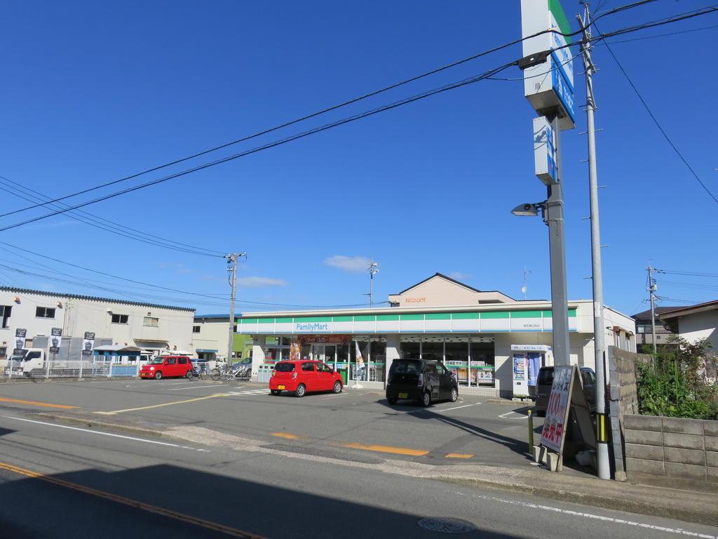 コンビニ ファミリーマート鳥取湖山西店(コンビニ)まで442m