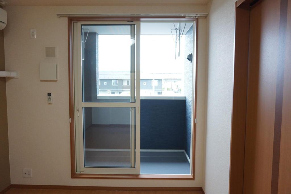 バルコニー ※同アパート別部屋写真です。