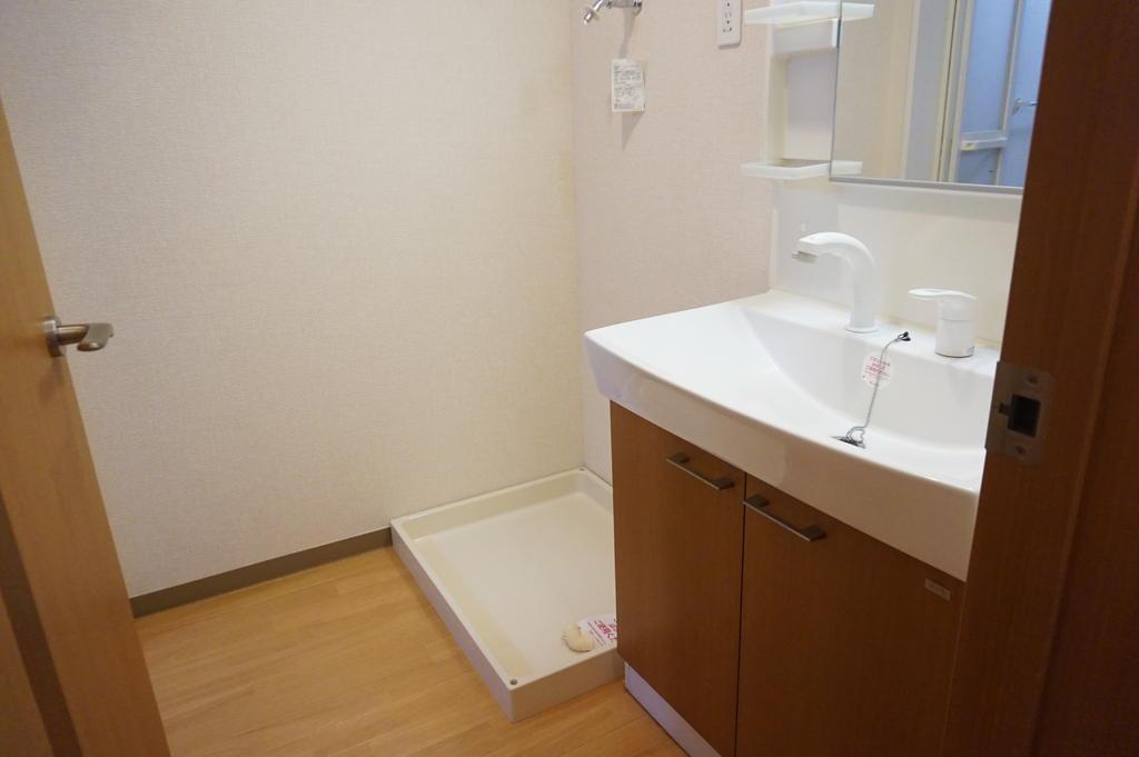 洗面設備 ※同アパート中部屋写真です。