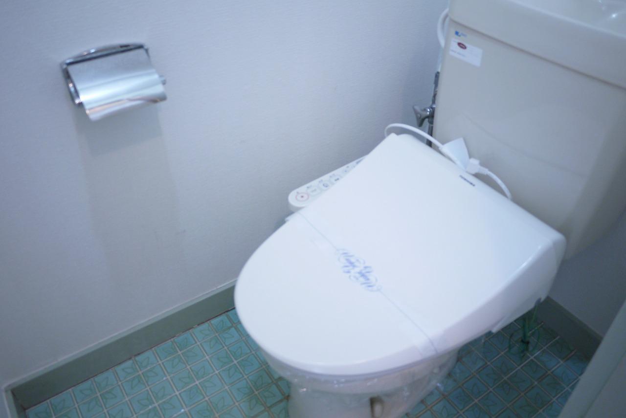 トイレ 温水暖房便座トイレ