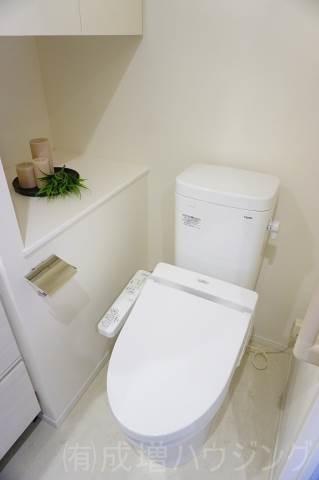 トイレ モデルルーム仕様。家具等は、付きません。