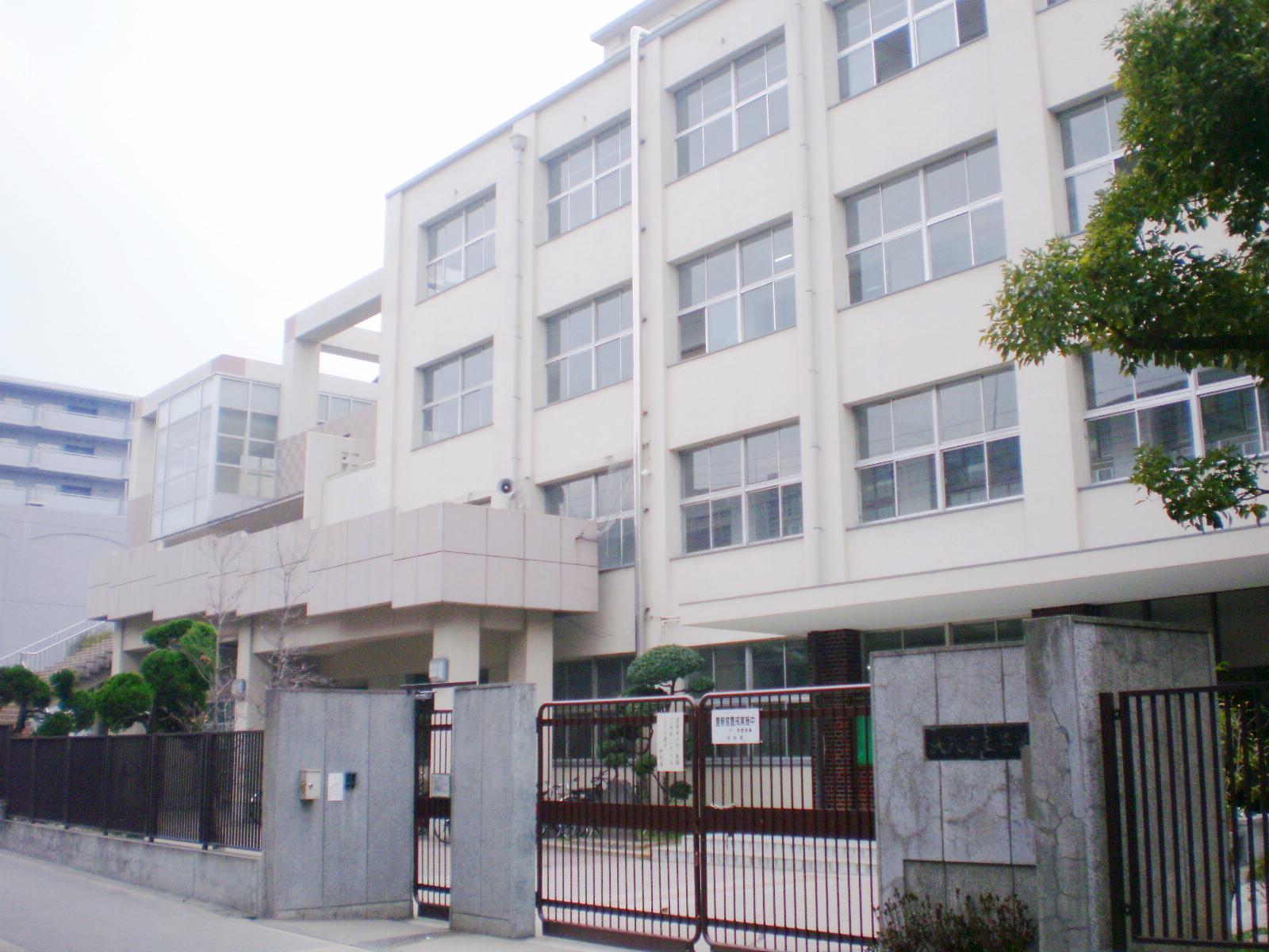 中学校 大阪市立喜連中学校(中学校)まで523m
