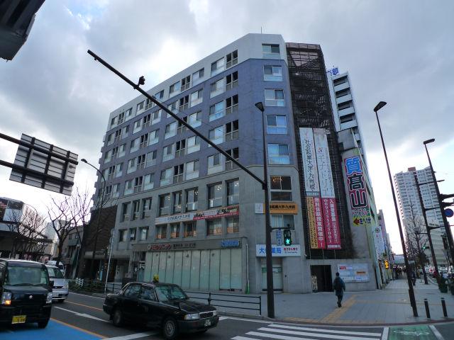 モナトリエ小倉平和通りの外観