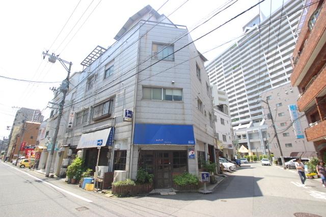 高橋ビル(横川)の外観