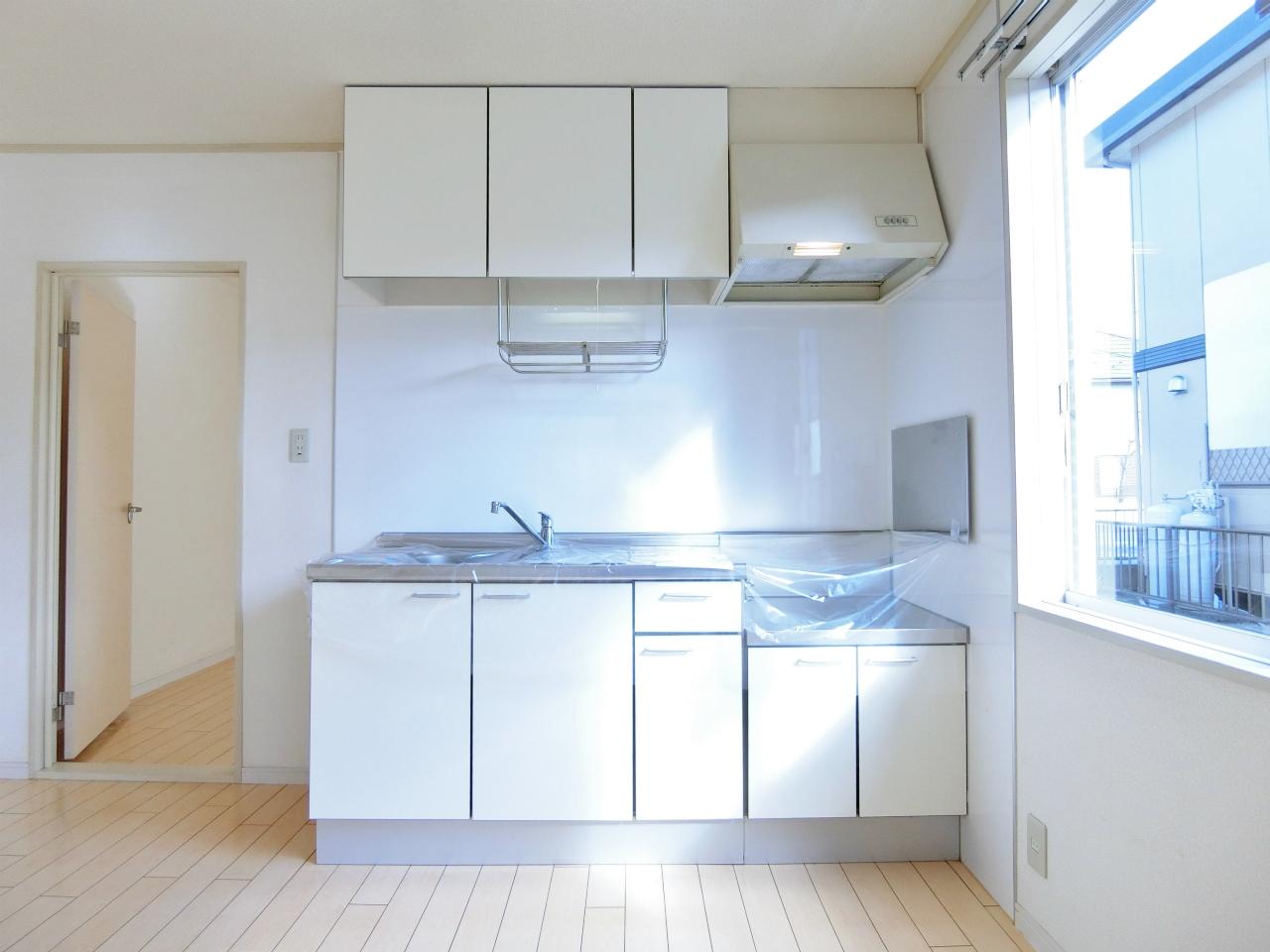 キッチン 小窓付きのキッチンです♪♪♪