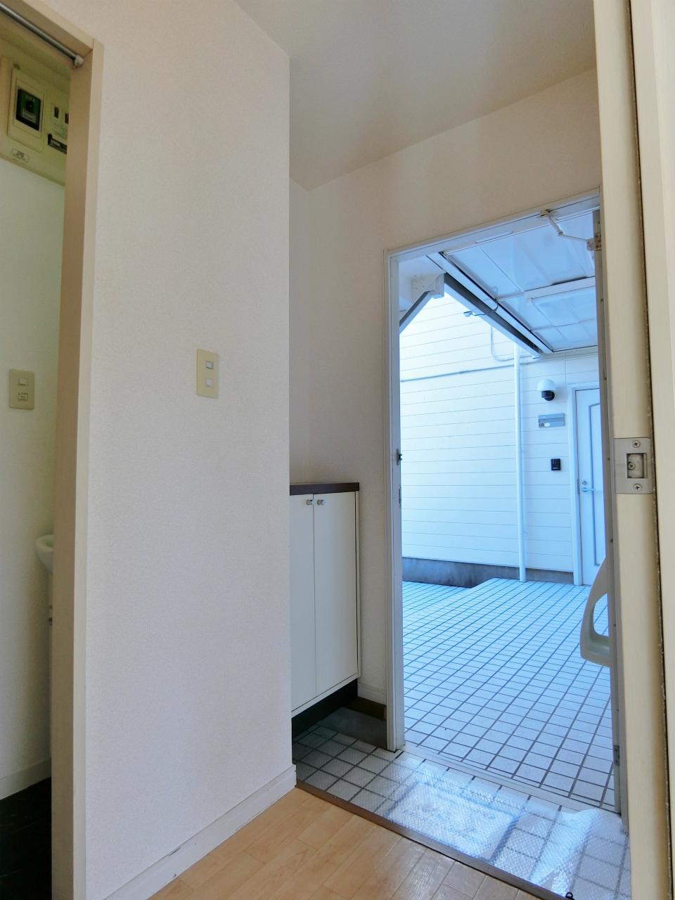 玄関 下駄箱付の玄関です♪♪♪