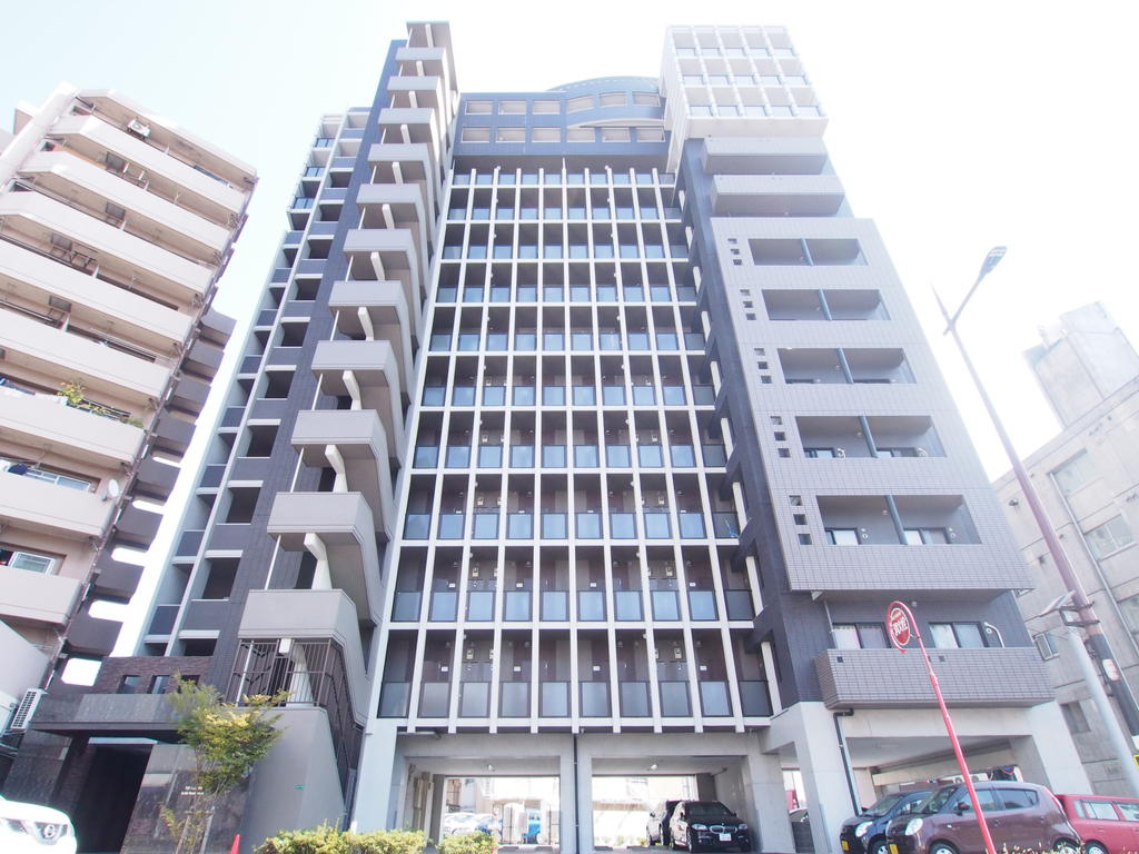 THE SQUARE ・ Suite Residenceの外観