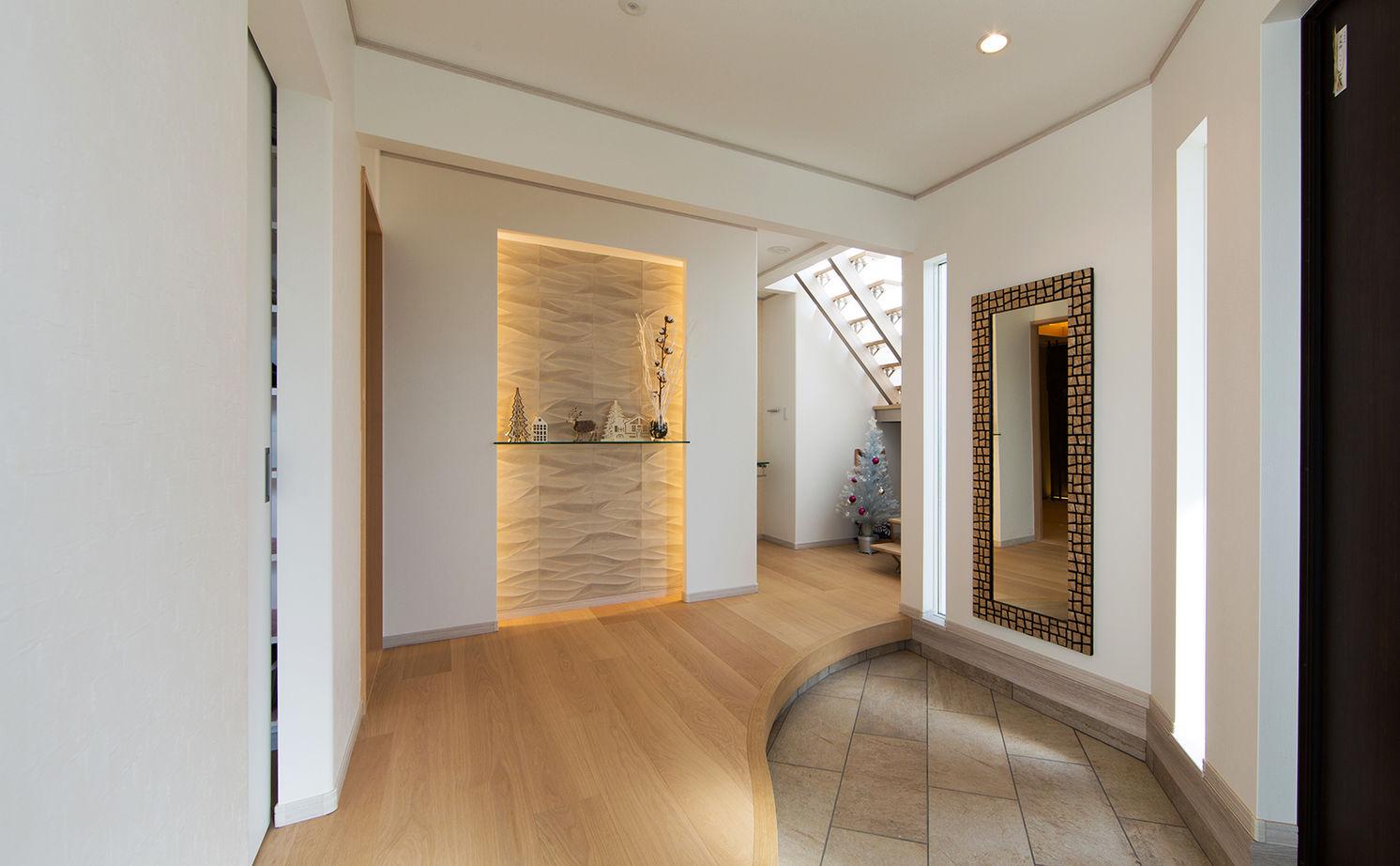 【4000万円~】高台を愉しむ家。アール設計の眺望リビング、上品なインテリア…繊細に想いを形に画像3