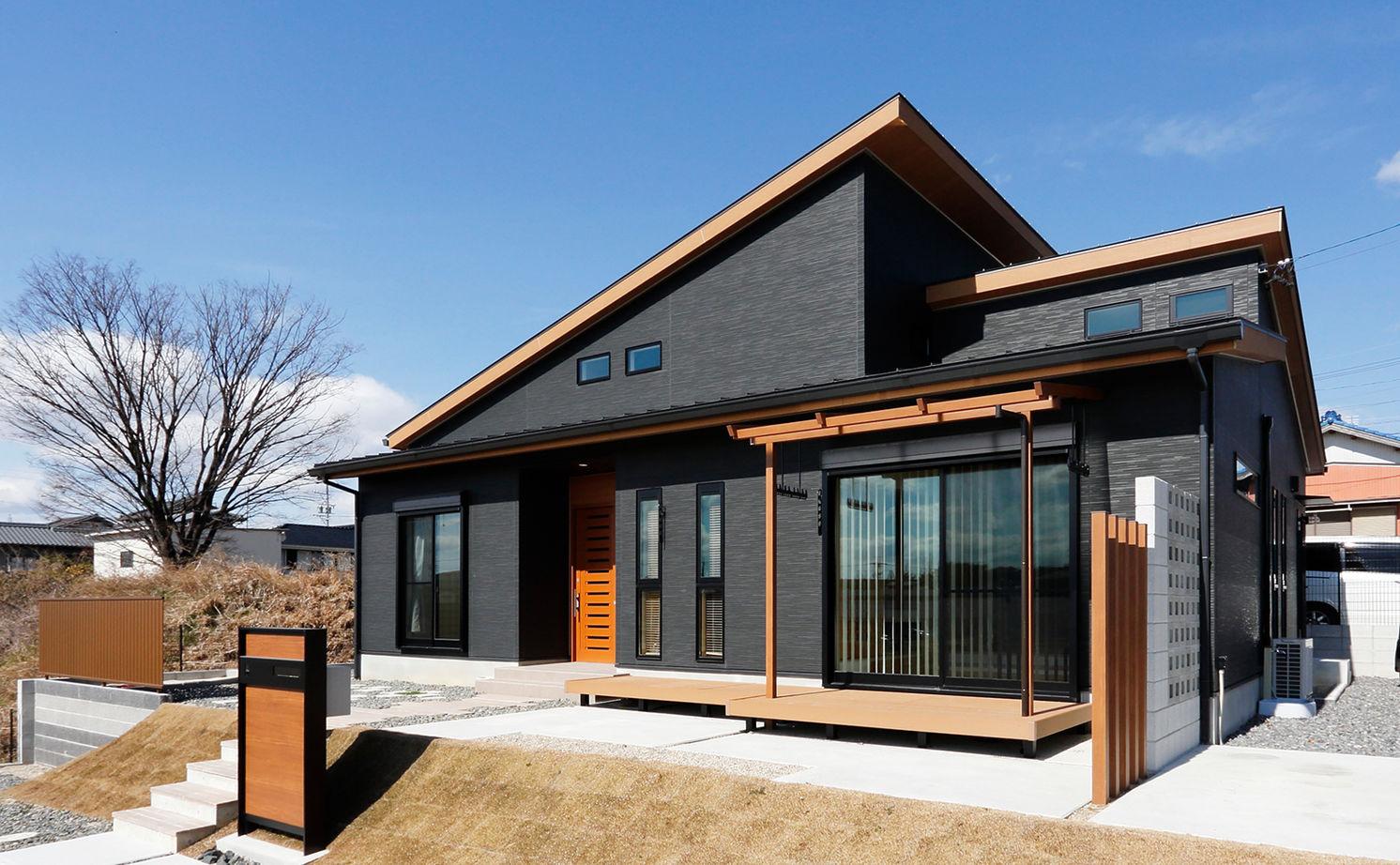 木の温もりあふれる自慢の平屋 立体的な空間設計で開放感も◎画像3