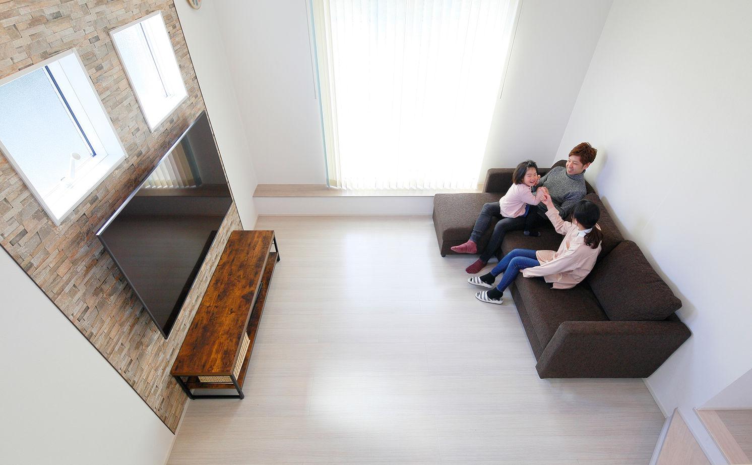 【建物本体価格2100万円/間取り図有】スキップフロアで繋がる空間は「家族がいつも一緒だと感じられます」画像3