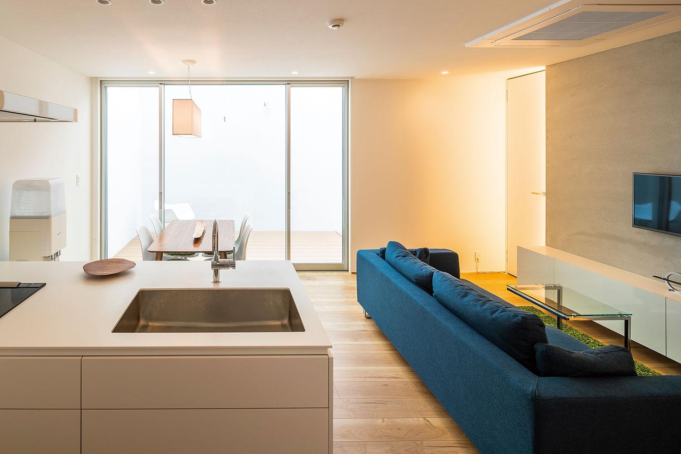 【延床28坪・1945万円】窓がない個性的な外観。室内は明るく、プライベート感満点のシンプルハウス画像3