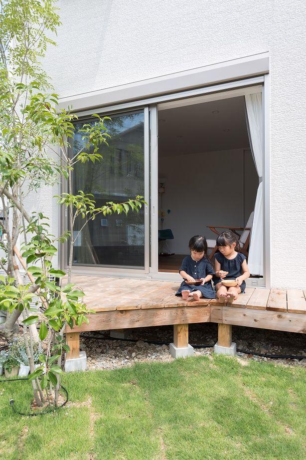 【間取り有/2000万円台前半】敷地に対して建物は斜めに設計。芝生や果樹を育て、森に佇む一軒家のように画像2