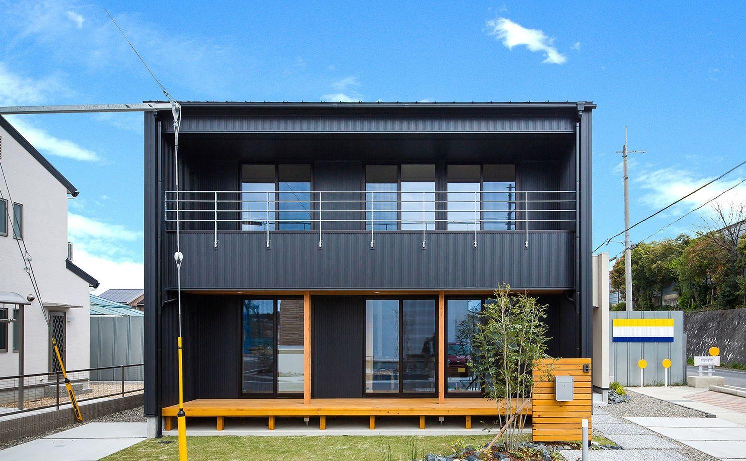 【1845万円】黒ガルバと塗り壁の大人かわいい家。「あっ、暮らし良い!」家事ラクの動線プラン画像1