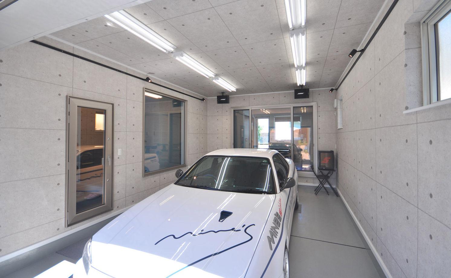 【2000~2500万円 4LDK間取り図】室内からも車が愛でられるこだわりのガレージハウス(夫婦+子ども3人)画像3